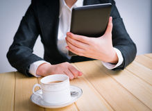 Business woman using tablet PC Royalty Free Stock Photos
