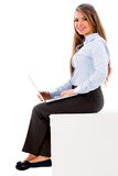 Business woman working on a laptop Royalty Free Stock Photography