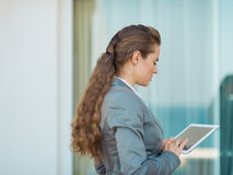 Business woman working with tablet pc Stock Photography