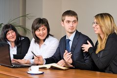 Businessgroup avec l'ordinateur portatif Photo stock
