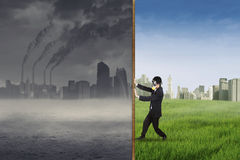 Businessman change the environment 1 Royalty Free Stock Images