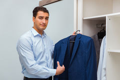 The businessman dressing up for work Royalty Free Stock Photography