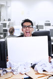 Businessman scream and blank paper Royalty Free Stock Photos