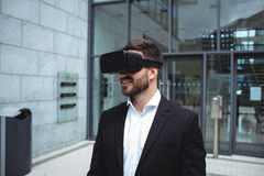 Businessman using reality virtual headset Royalty Free Stock Photography