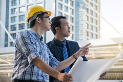 Businessman worker handshaking on construction site Royalty Free Stock Images