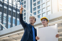 Businessman worker handshaking on construction site Royalty Free Stock Photos