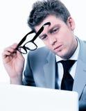 Businessmann koncentrował przy biurem Zdjęcie Stock