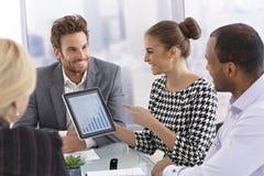 Businessmeeting con la tablilla Imagen de archivo
