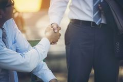 Free Businessmen Are Handshake Agree To Join The Business.Focus At Ha Stock Photos - 126775713