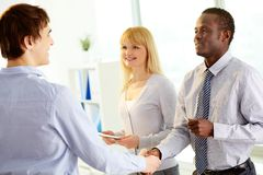 Businessmen handshaking Royalty Free Stock Images