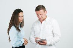 Businesspeople δύο στην αρχή Στοκ εικόνες με δικαίωμα ελεύθερης χρήσης