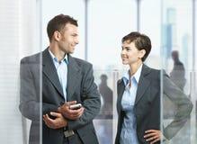 Businesspeople στην αρχή Στοκ Εικόνες