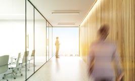 Businesspeople i toning för konferensrum Arkivfoto