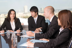 Businesspeople listening Royalty Free Stock Photography