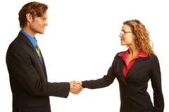 Businesspeople som skakar händer royaltyfri bild