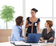 Businesspeople talking in business hall Royalty Free Stock Photography