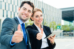 Businesspeople working outdoor Royalty Free Stock Photo