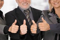 businessteam daje kciukowi kciuk Fotografia Royalty Free