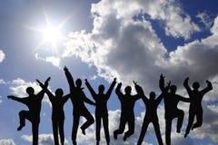 Businessteam del éxito en el cielo imagenes de archivo