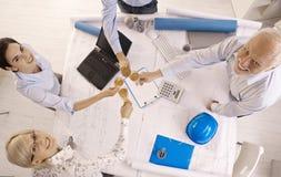 Businessteam felice che celebra successo Immagine Stock Libera da Diritti