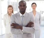 Businessteam met Afrikaans-Amerikaanse leider Stock Afbeeldingen