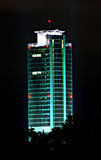 Businesstower bij nacht Stock Foto's