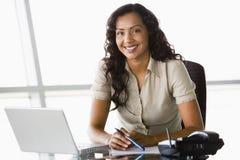 businesswoman desk working Στοκ Φωτογραφία