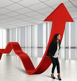 Businesswoman helps statistics Royalty Free Stock Photography