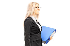 Businesswoman holding a folder Royalty Free Stock Photos