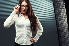 Businesswoman looking at camera Royalty Free Stock Photography