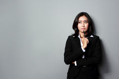 Businesswoman looking up Royalty Free Stock Photography