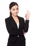 Businesswoman with ok sign gesture Royalty Free Stock Photography