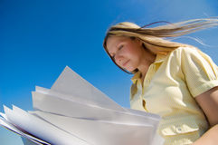 Businesswoman with papers Royalty Free Stock Images