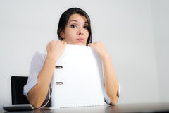 Businesswoman with a pragmatic expression Royalty Free Stock Photography