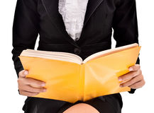 Businesswoman reading a book Royalty Free Stock Photography