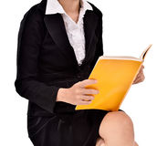 Businesswoman reading a book Royalty Free Stock Photos