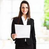 Businesswoman reading a document Royalty Free Stock Photography