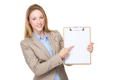 Businesswoman show with blank paper on clipboard Royalty Free Stock Photos
