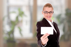 Businesswoman show businesscard royalty free stock photos