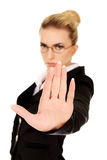 Businesswoman show NO gesture with confident expression Royalty Free Stock Photography