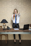 Businesswoman shows thumb down Royalty Free Stock Photography
