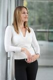 Businesswoman standing in a modern Building Royalty Free Stock Photography