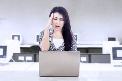 Businesswoman stress with work Royalty Free Stock Photography