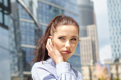 Businesswoman talking on the mobile phone Royalty Free Stock Photography