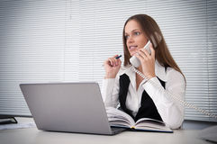 Businesswoman talking on the phone Royalty Free Stock Photos