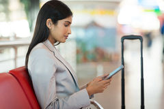 Businesswoman using tablet airport Royalty Free Stock Photography