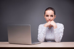 The businesswoman working at her desk Royalty Free Stock Photos
