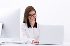 Businesswoman working on the laptop Royalty Free Stock Images