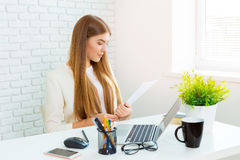 Businesswoman working on the laptop Royalty Free Stock Photography