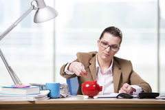 The businesswoman working in the office Royalty Free Stock Images